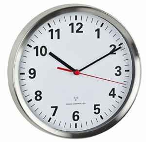 TFA Dostmann Funk-Wanduhr mit geräuscharmen Sweep Uhrwerk  |